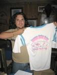 La camisa original de la clase con el logo diseñado por Iván Torres Santiago.