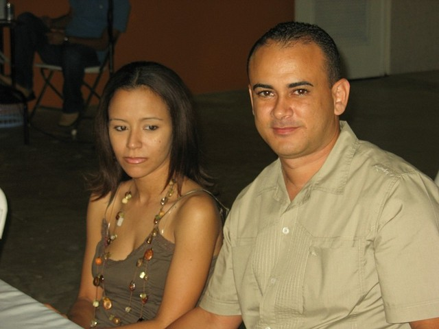Harry Renovales y su esposa.