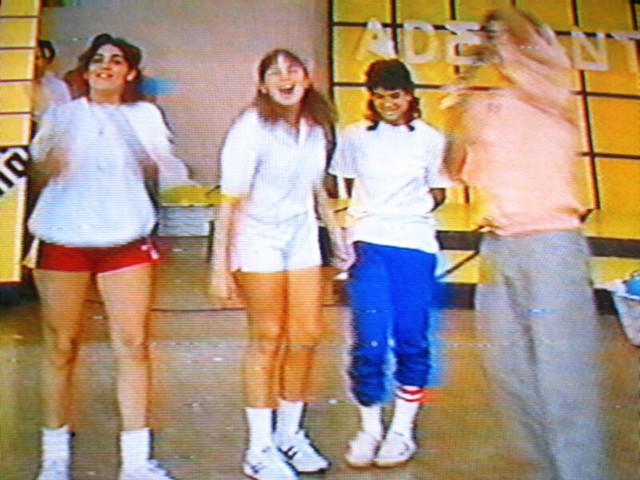 Lolin, Blanca y Marisol durante un juego.